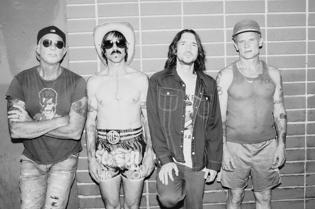 <p>Red Hot Chili Peppers have announced a 2022 world stadium tour</p>