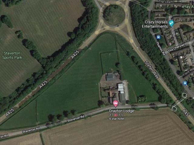 Bellway Homes wants to build 140 properties on the 4.5-hectare patch of land occupied by Drayton Lodge Farm between the A425, A45 Steffen Way and the old Staverton Road. Photo: Google