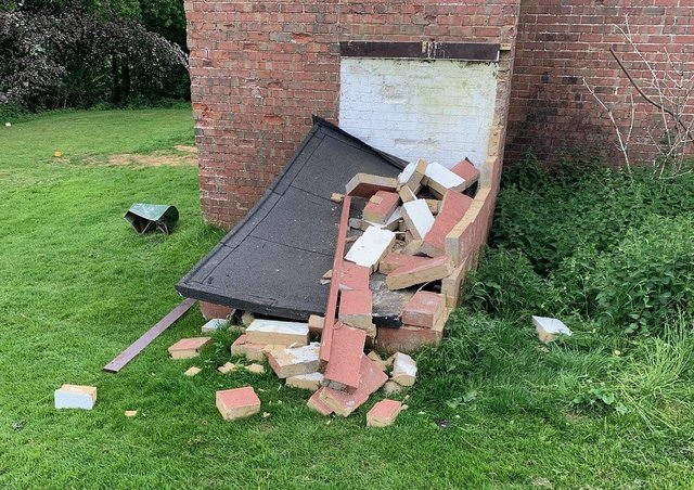 A Daventry Golf Club shelter was destroyed by vandals NNL-210906-172801001