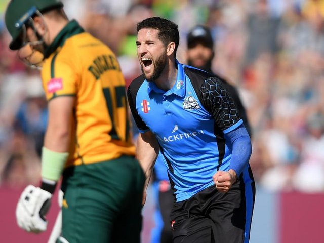 Wayne Parnell is set to make his Steelbacks debut against his former Worcestershire team-mates